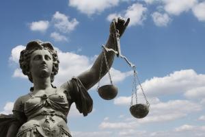 Abmahnung bei Filesharing: Durch ein neues Gesetz wurden die Rechte der Verbraucher gestärkt.
