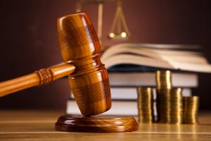 Ignorieren Sie eine Abmahnung, kann es für Sie zu einem teuren Gerichtsprozess kommen.