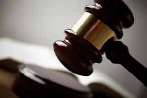 Nach Ablauf der Frist einer Abmahnung können Sie vor Gericht verklagt werden.