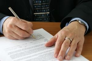 Überlegen Sie gründlich, ob Sie das Muster der Unterlassungserklärung unterschreiben wollen.