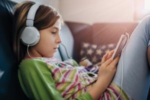 Aktuelle Musik ist urheberrechtlich geschützt. Beim Kauf einer CD erwerben Sie ein Nutzungsrecht.