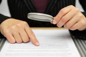Um den Verstoß gegen die Unterlassungserklärung zu vermeiden, ist der Vertrag zu beachten.